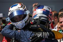 Second place Pierre Gasly, PREMA Racing congratulates Race winner Antonio Giovinazzi, PREMA Racing