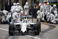 Felipe Massa, Williams FW38 s'arrête aux stands