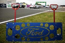 Ford GT40 con el nuevo Ford GT