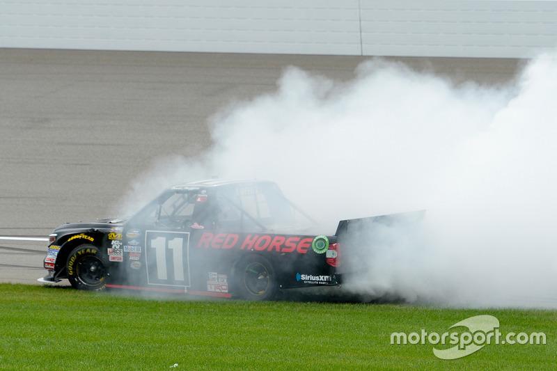 Il vincitore della gara Brett Moffitt, Red Horse Racing Toyota