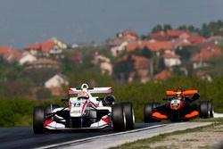 Arjun Maini, ThreeBond with T-Sport, Dallara F312 – NBE; Callum Ilott, Van Amersfoort Racing, Dallara F312 - Mercedes-Benz