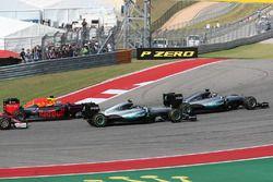 Lewis Hamilton, Mercedes AMG F1 W07; Nico Rosberg, Mercedes AMG Petronas F1 W07; Daniel Ricciardo, R