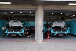 Box, Leopard Racing