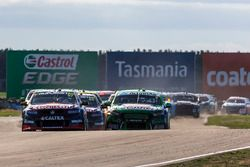Start actie: Shane van Gisbergen, Triple Eight Race Engineering Holden en Mark Winterbottom, Prodriv