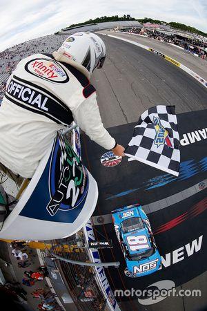 Kyle Busch, Joe Gibbs Racing Toyota takes the checkered flag