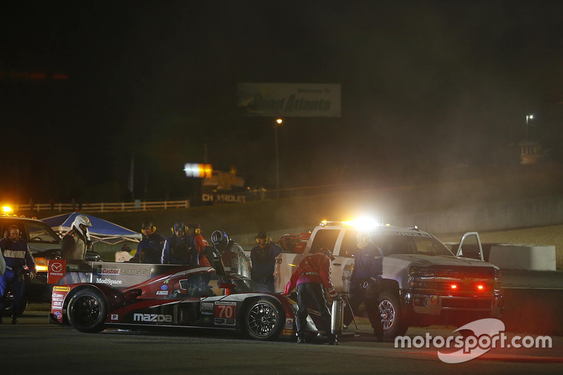 Feuer: #70 Mazda Motorsports Mazda Prototype: Joel Miller, Tom Long, Spencer Pigot