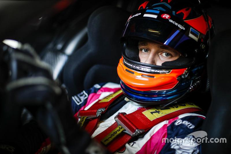 #3 R-ace GP Racing Renault RS01: Kevin Korjus