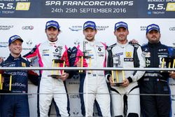 Podium: race winners #2 R-ace GP Racing Renault RS01: Raoul Owens, Fredrik Blomstedt, second place #
