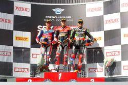 Podio: il vincitore della gara Chaz Davies, Ducati Team, il secondo classificato Michael van der Mar