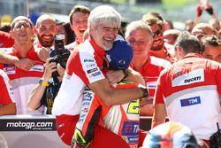 Winnaar Andrea Iannone, Ducati Team en Gigi Dall'Igna, Ducati Team General Manager