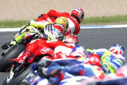 Carlos Checa, Yamaha Team aan de leiding