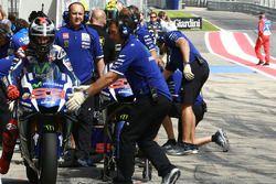 Jorge Lorenzo, Yamaha Factory Racing dans la voie des stands
