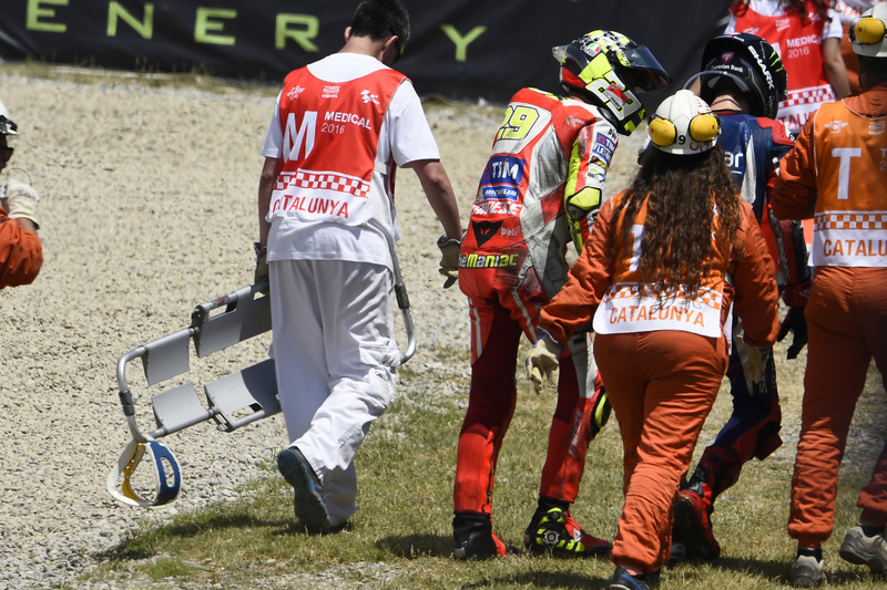 Iannone und Lorenzo nach dem Unfall