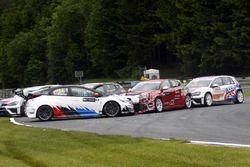 Harald Proczyk, WestCoast Racing, Honda Civic TCR et Petr Fulin, Mulsanne Racing, Alfa Romeo Giulietta TCR crash