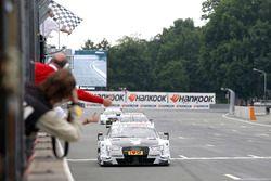 Checkered flag für Nico Müller, Audi Sport Team Abt Sportsline, Audi RS 5 DTM