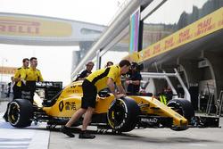 Renault Sport F1 Team RS16 of Kevin Magnussen