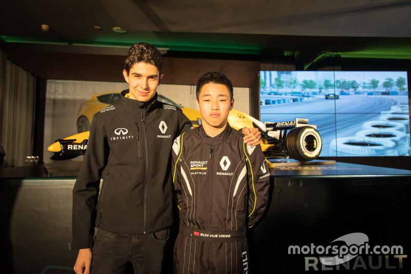 Esteban Ocon, Renault Sport F1 Team, Testfahrer; Sun Yue Yang