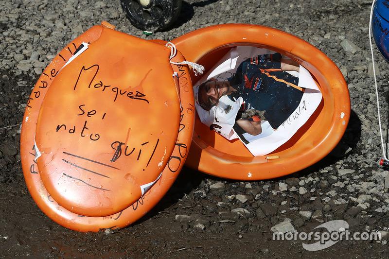 Inodoros con Marc Márquez