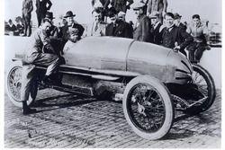 Racewinnaar Tommy Milton, Frontenac