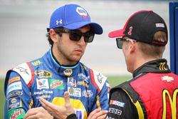Chase Elliott, Hendrick Motorsports Chevrolet, und Jamie McMurray, Chip Ganassi Racing Chevrolet