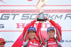 Podio GT500: i vincitori della gara Tsugio Matsuda, Ronnie Quintarelli, Nismo