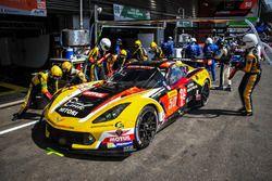 Ютака Ямагиши, Пьер Раг и Паоло Руберти, #50 Larbre Competition Chevrolet Corvette C7 Z06
