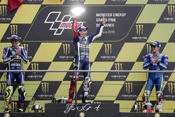 Podium: winnaar Jorge Lorenzo, Yamaha Factory Racing, tweede plaats Valentino Rossi, Yamaha Factory Racing, derde plaats Maverick Viñales, Team Suzuki MotoGP