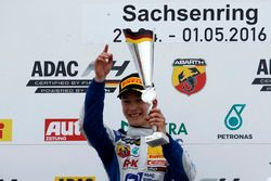 Podium: Winner Mike David Ortmann, Mücke Motorsport