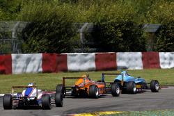 Luca Engstler, Liqui Moly Team Engstler; Lirim Zendeli, Mücke Motorsport; Jan-Erik Meikup, Jenzer Mo