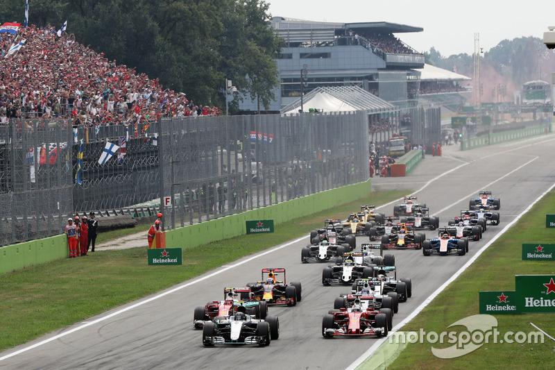 La partenza del GP d'Italia con Hamilton solo sesto