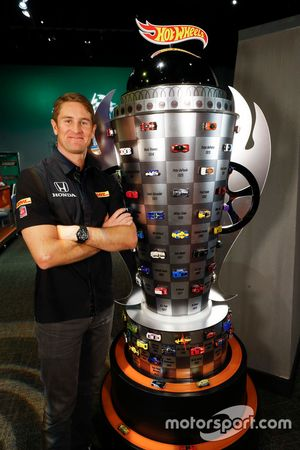 Ryan Hunter-Reay with the Hot Wheels 2016 Indianapolis 500 Championship Trophy