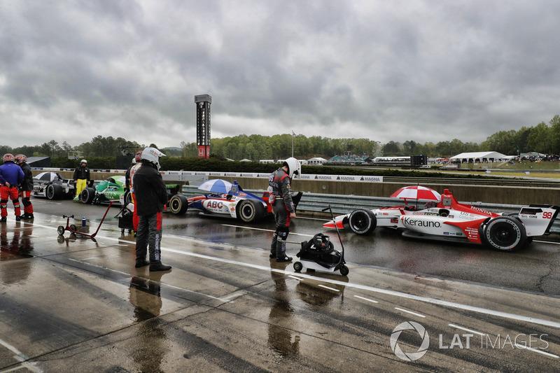 Marco Andretti, Herta - Andretti Autosport Honda dans les stands sous drapeau rouge