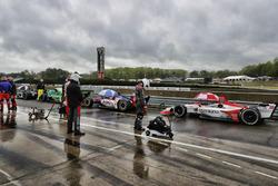 Monoposto ferme in pit lane sotto bandiera rossa: Marco Andretti, Herta - Andretti Autosport Honda