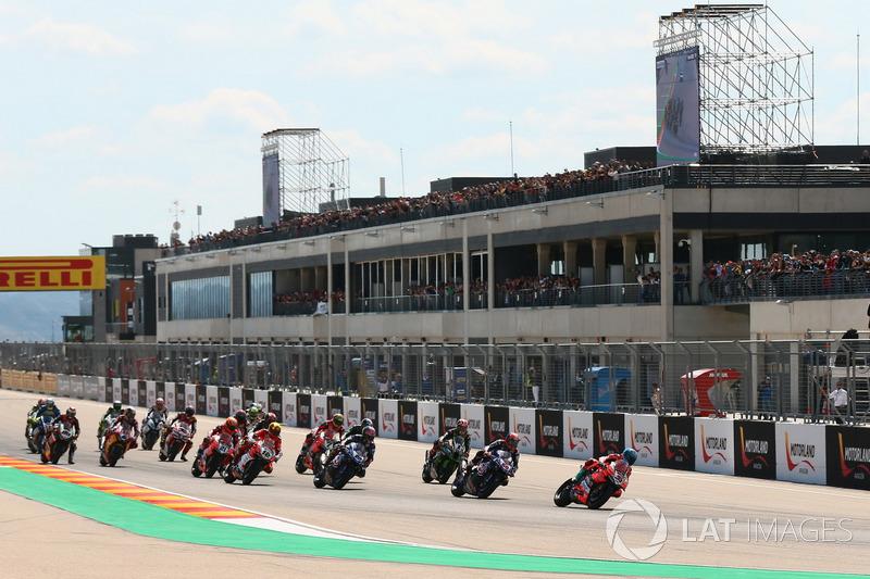Marco Melandri, Aruba.it Racing-Ducati SBK Team lidera en la salida