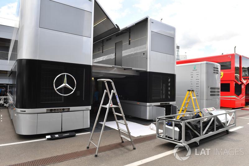 Mercedes AMG F1 trucks