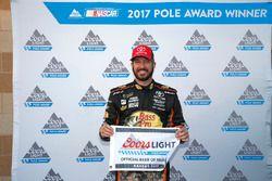 Ganador de la pole Martin Truex Jr., Furniture Row Racing Toyota