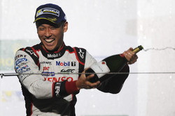 Podyum: Yarış galibi Kazuki Nakajima, Toyota Gazoo Racing