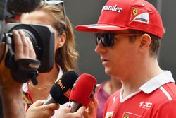 Kimi Raikkonen, Ferrari talks to the media