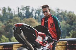MV Agusta F4, Lewis Hamilton