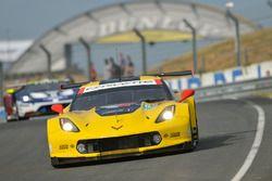 Ян Магнуссен, Антонио Гарсия, Майк Роккенфеллер, Corvette Racing, Chevrolet Corvette C7.R (№63)