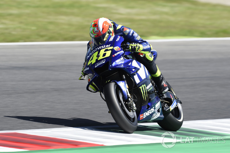 Rossi de retour en pole