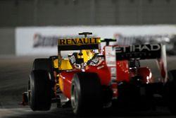 Vitaly Petrov, Renault R30, leads Fernando Alonso, Ferrari F10