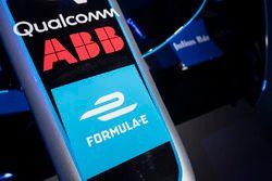 Logos de ABB logos en el coche de la Fórmula E