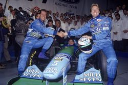 Michael Schumacher, Benetton; J.J. Lehto, Benetton
