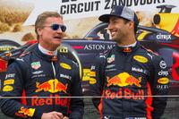 David Coulthard en Daniel Ricciardo tijdens de Jumbo Racedagen