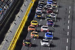 Brad Keselowski, Team Penske, Ford Fusion Discount Tire, Martin Truex Jr., Furniture Row Racing, Toyota Camry 5-hour ENERGY/Bass Pro Shops
