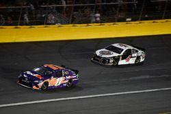 Denny Hamlin, Joe Gibbs Racing, Toyota Camry FedEx Express, Kevin Harvick, Stewart-Haas Racing, Ford Fusion Jimmy John's
