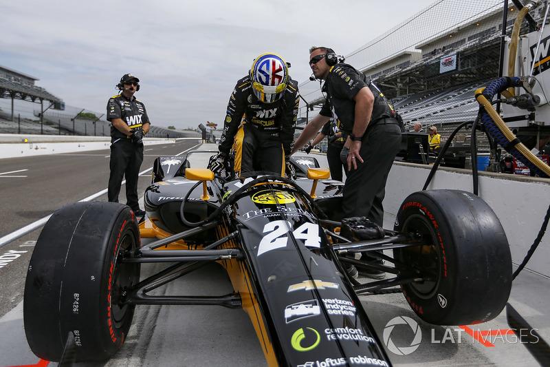 24: Sage Karam, Dreyer & Reinbold Racing Chevrolet, 225.823