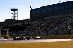 Митч Эванс, Jaguar Racing, и Ник Хайдфельд, Mahindra Racing