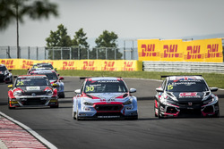 Gabriele Tarquini, BRC Racing Team Hyundai i30 N TCR, James Thompson, ALL-INKL.COM Münnich Motorsport Honda Civic Type R TCR